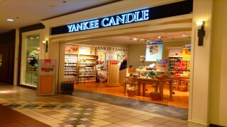Large Yankee candles are on sale for $10 each (regularly $30)
