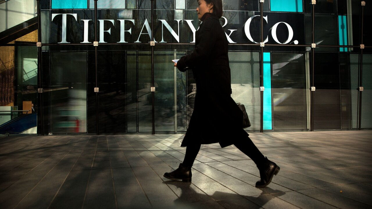 LVMH scoops up Tiffany for $16.2 billion