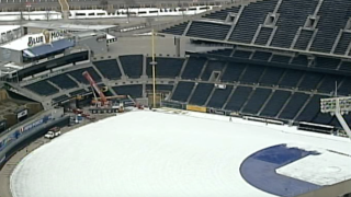 Kauffman Stadium right field foul pole installed.png