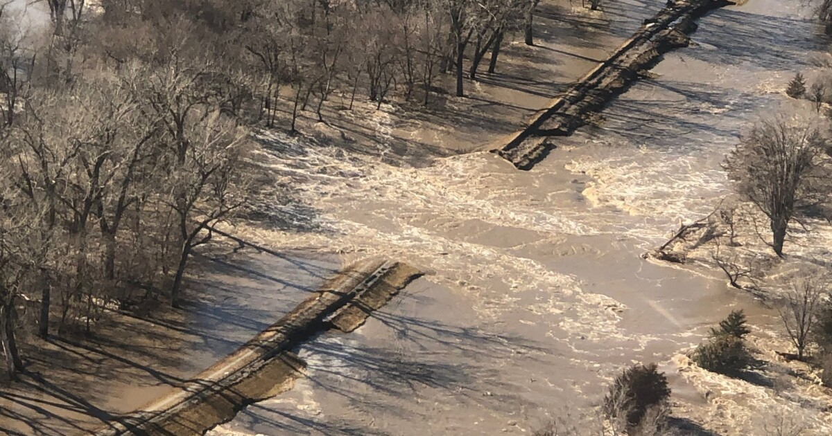 U.S. Army Corps of Engineers issues update on levee breaches