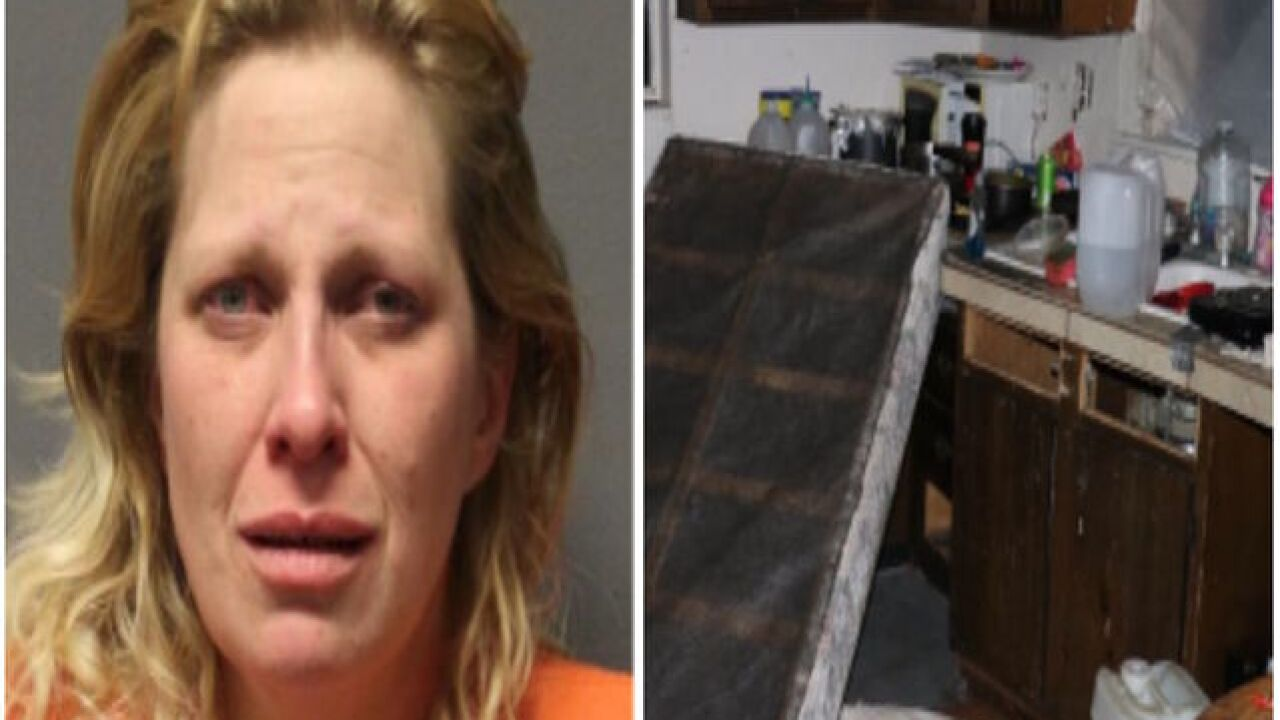 Children found covered in feces, mom arrested in Arizona