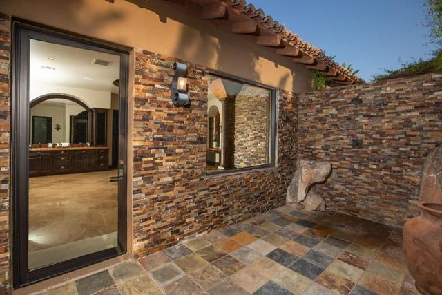 PHOTOS: Larry Fitzgerald lists Paradise Valley home for $5 million