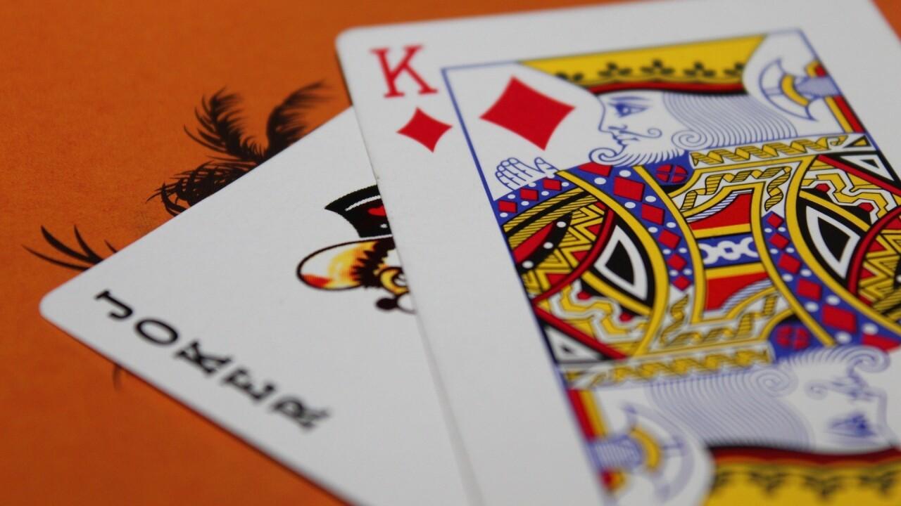 cards-166436_1920.jpg