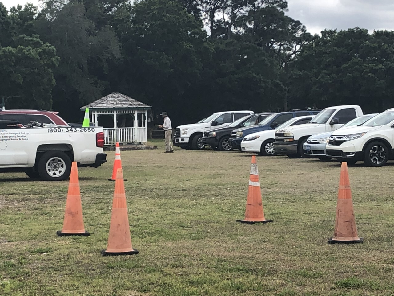 Vehicles line up at long-term COVID-19 vaccine site in Fort Pierce on day it opens