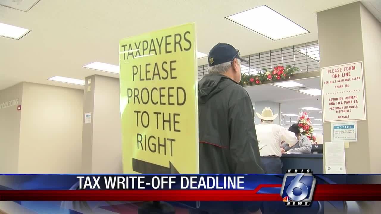 Tax deadline looms