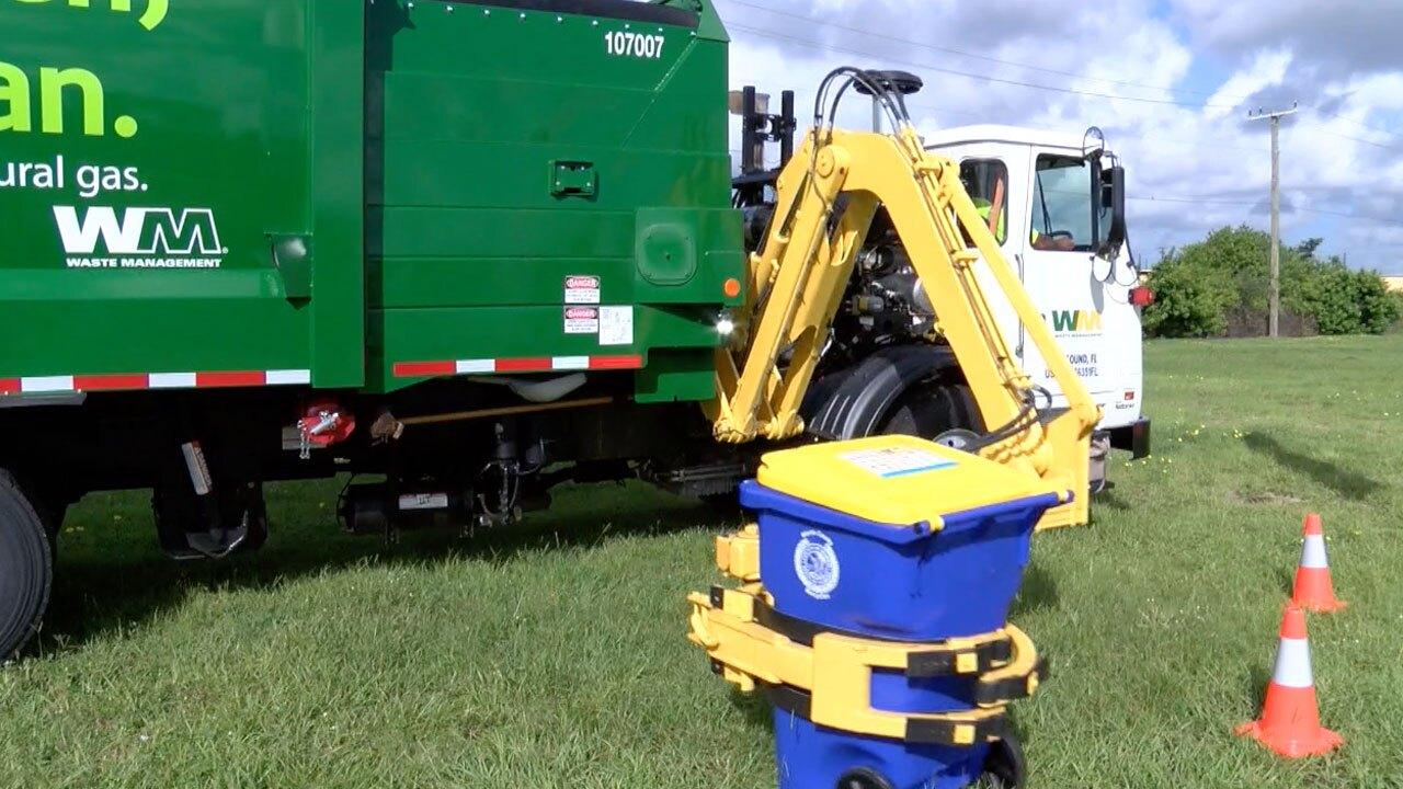 Waste-Management-Truck-in-Martin-County.jpg