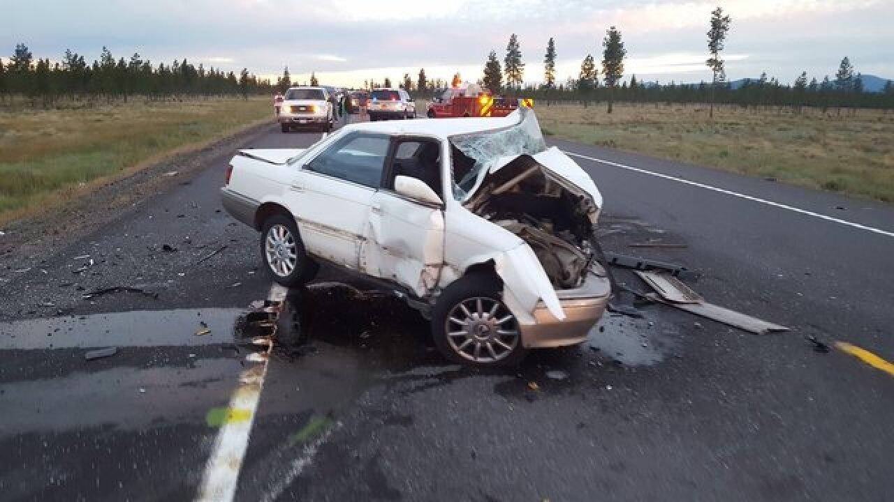 1 of 2 killed in head-on crash in Oregon