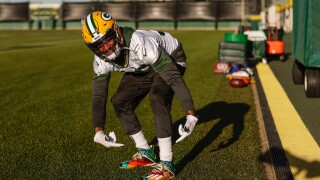 Aaron Jones to wear cleats designed by 12-year-old cancer hero Sunday
