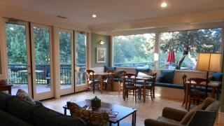 19-Best Service-The Inn Above Oak Creek-Guest Room.jpg