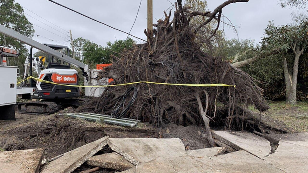 EF-1-tornado-hits-North-Lakeland-neighborhood-5.jpg