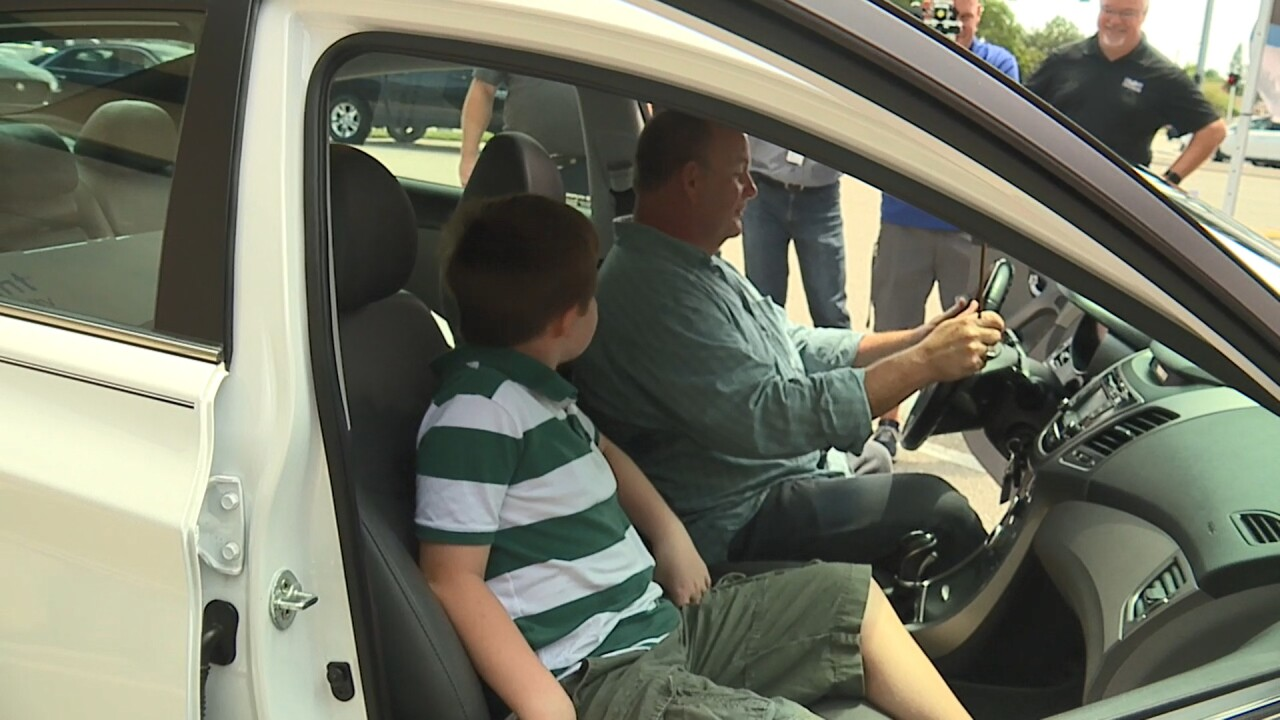 Vet gets news car 6-19-19.jpg