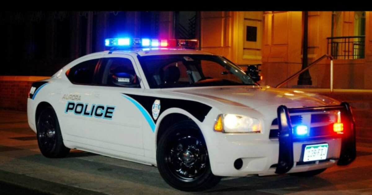 Machete wielding man shot by officer in Aurora