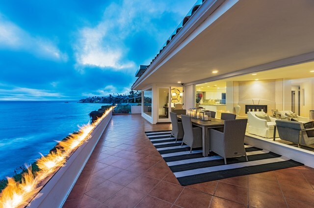 La Jolla cliffs stunner offers views, enormous terrace