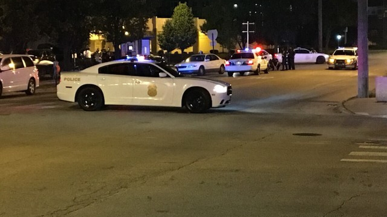 Man shot in downtown Indy near Bankers Life