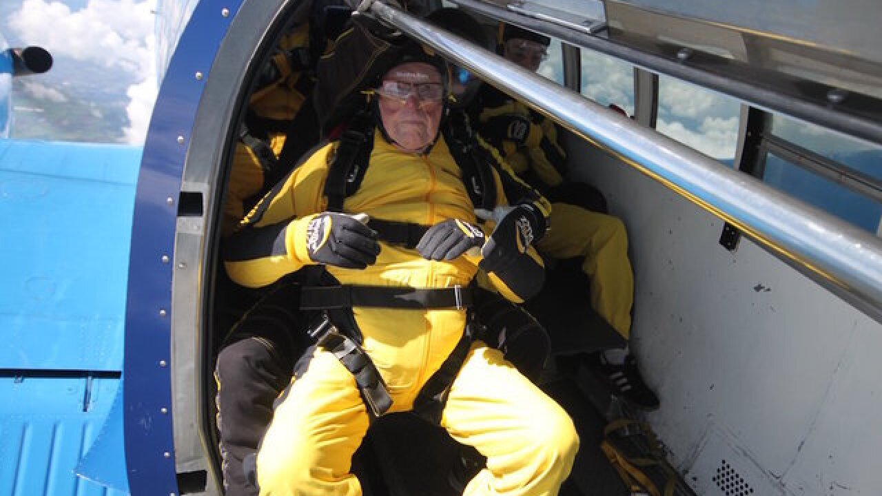 101-year-old 'daredevil' sets new skydiving record
