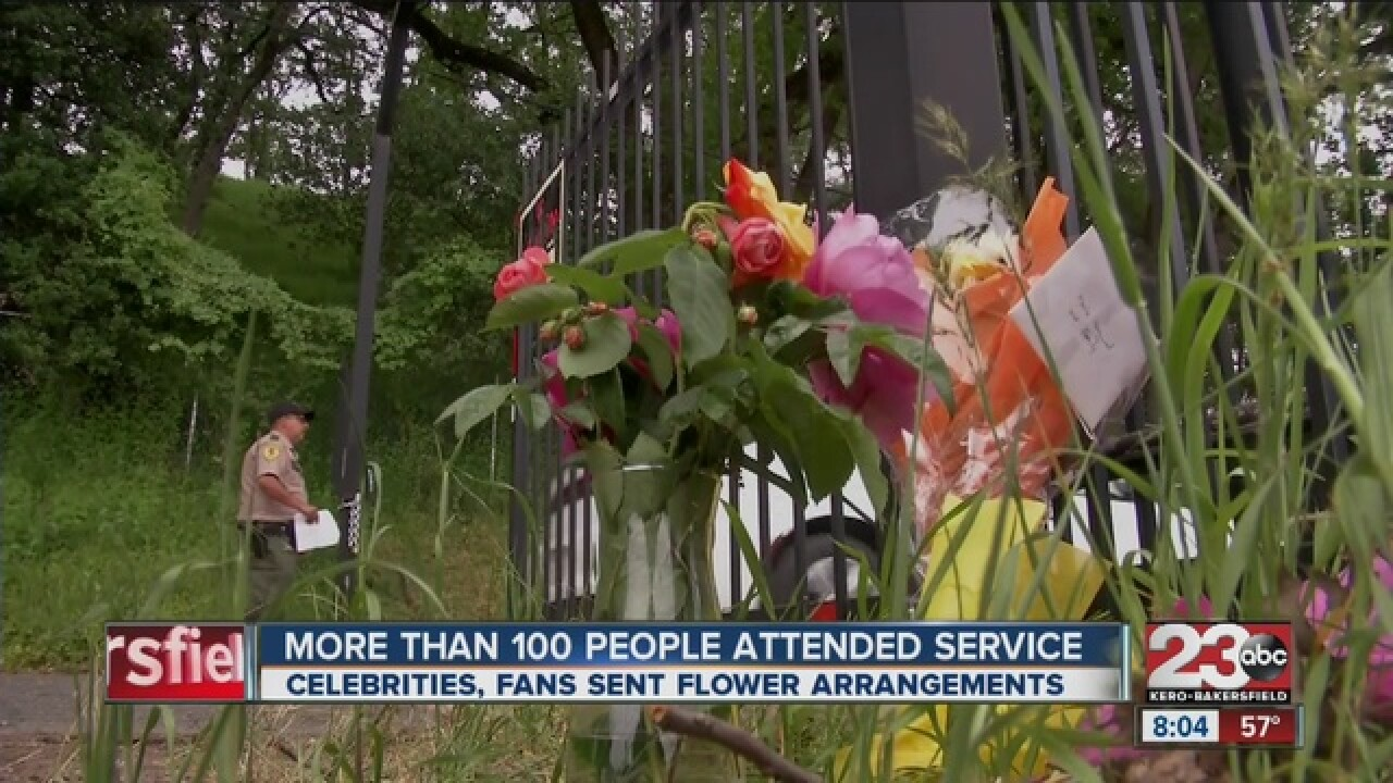 Family and friends say goodbye to Merle Haggard