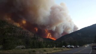 Fishhawk Fire blows up to more than 10,000 acres