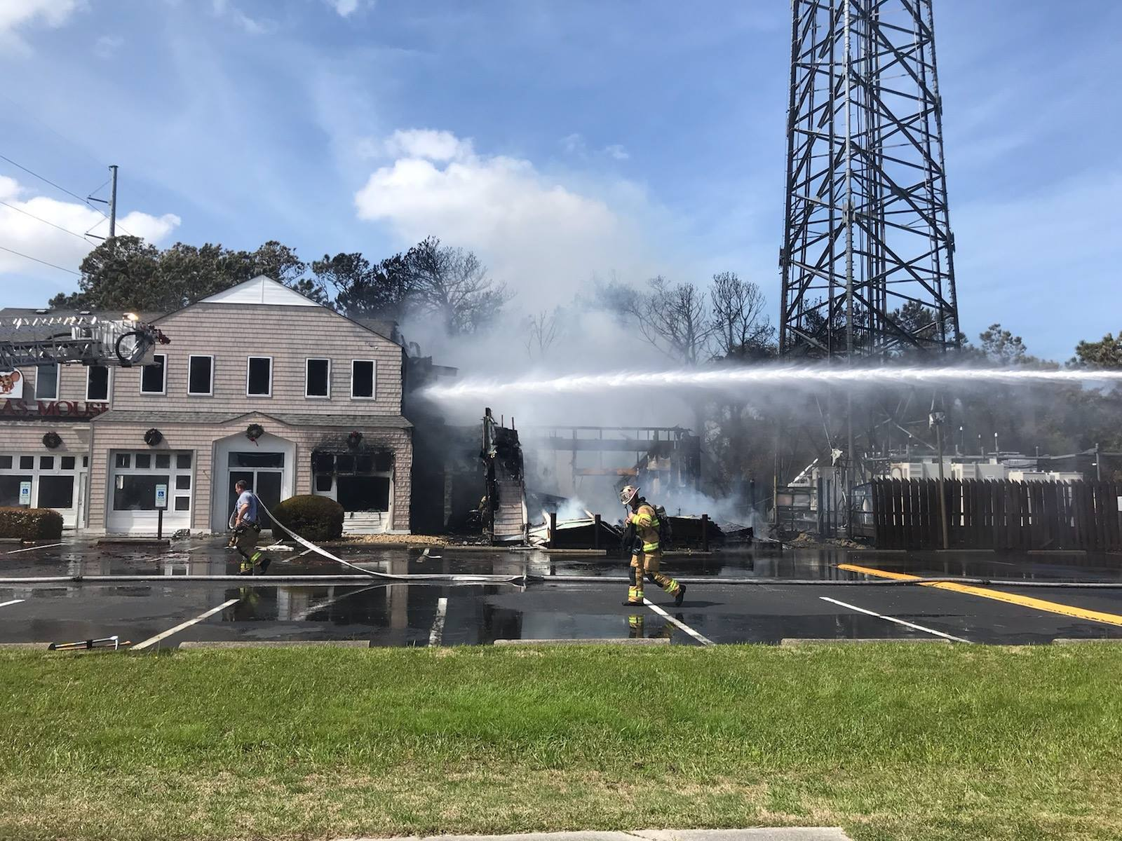 Photos: Christmas Mouse store in Nags Head burns toground
