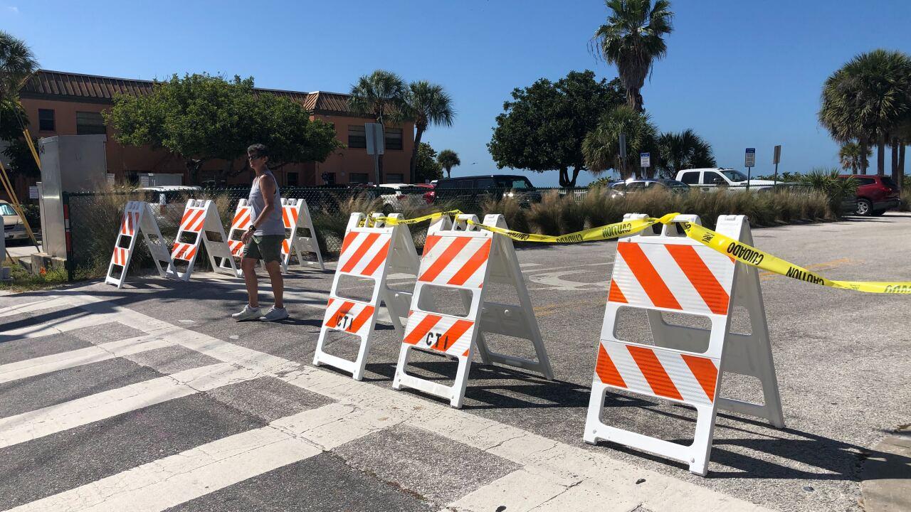 BEACH-SOCIAL-DISTANCING-CORONAVIRUS-FLORIDA-PINELLAS COUNTY-CLEARWATER-PARKING LOT-PARKING SPACE-caution-construction-closed-enforcement-shut-down.jpg