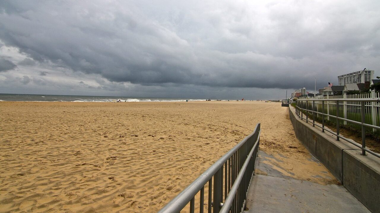 Virginia Beach votes in favor of imposing $250 fine for putting up a tent on the beach