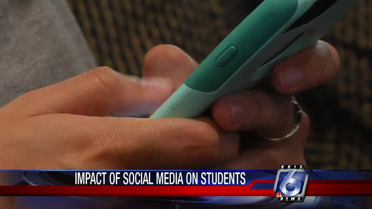 teens and social media 4 0823.jpg