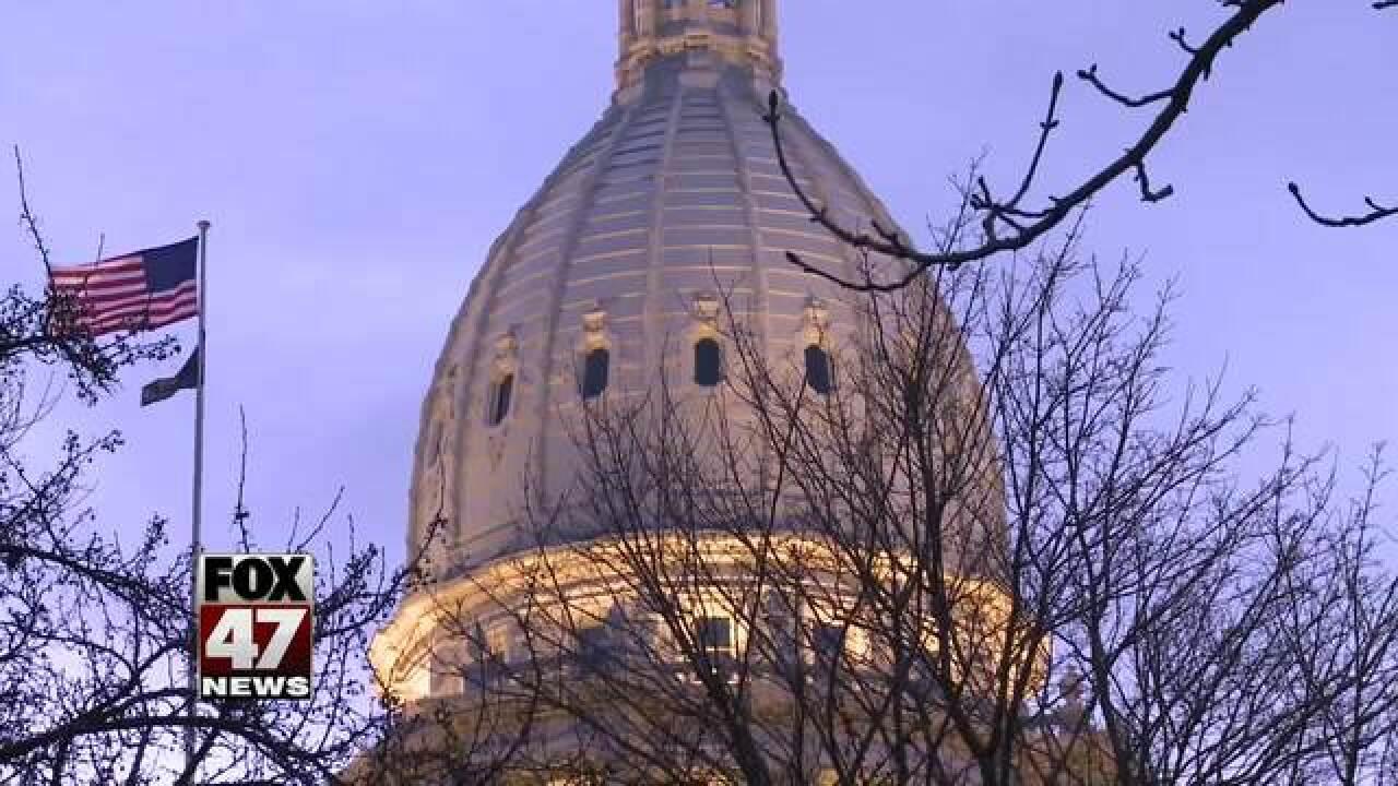 Legislature OKs gutting wage, paid sick time law