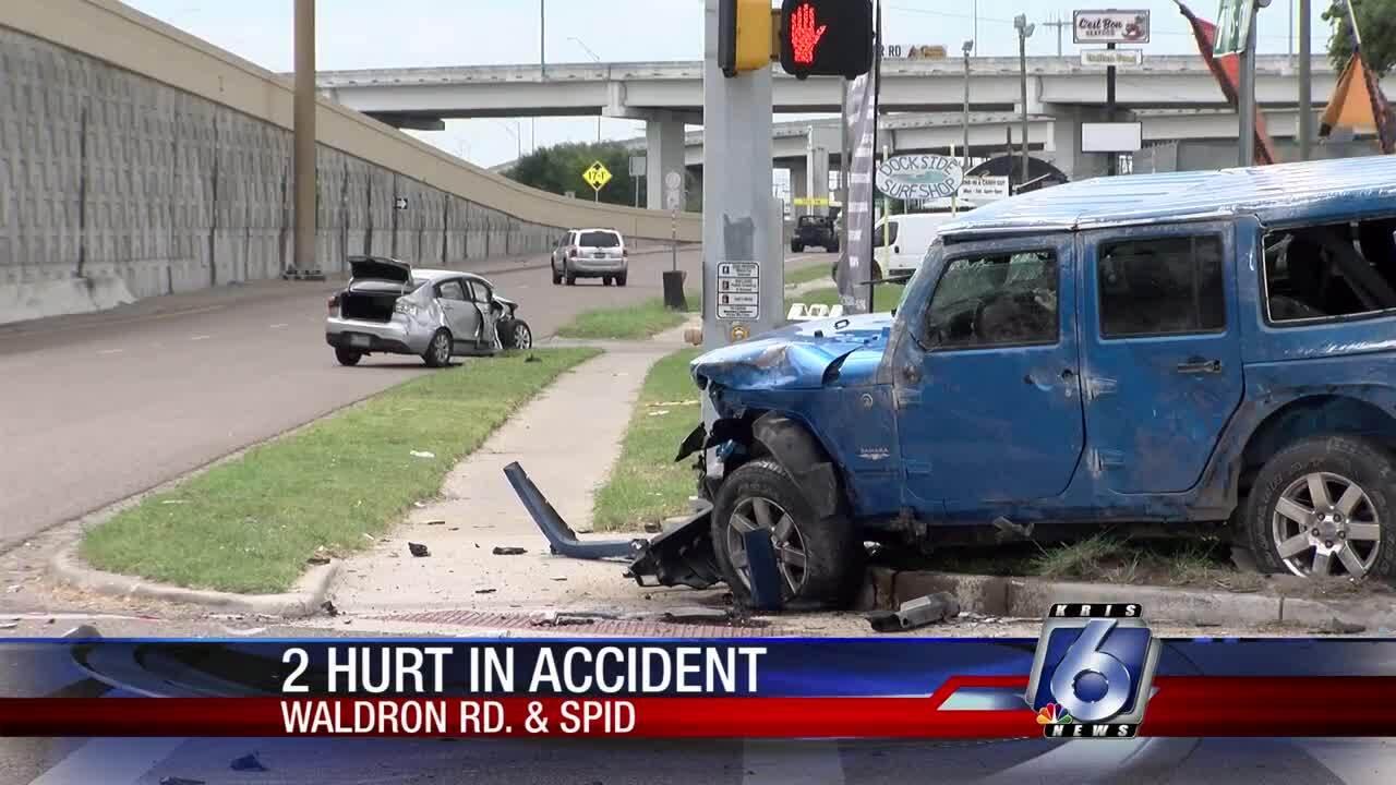 2 hurt in Friday crash