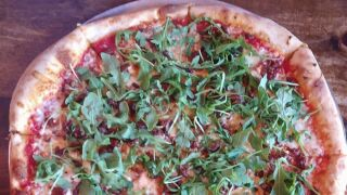 gma-evel-pie-grasshopper-pizza-3-ht-jcl-190818_hpMain_4x3_992.jpg
