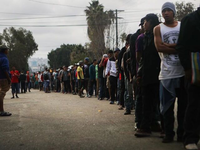 Migrants converge on Tijuana-San Diego border