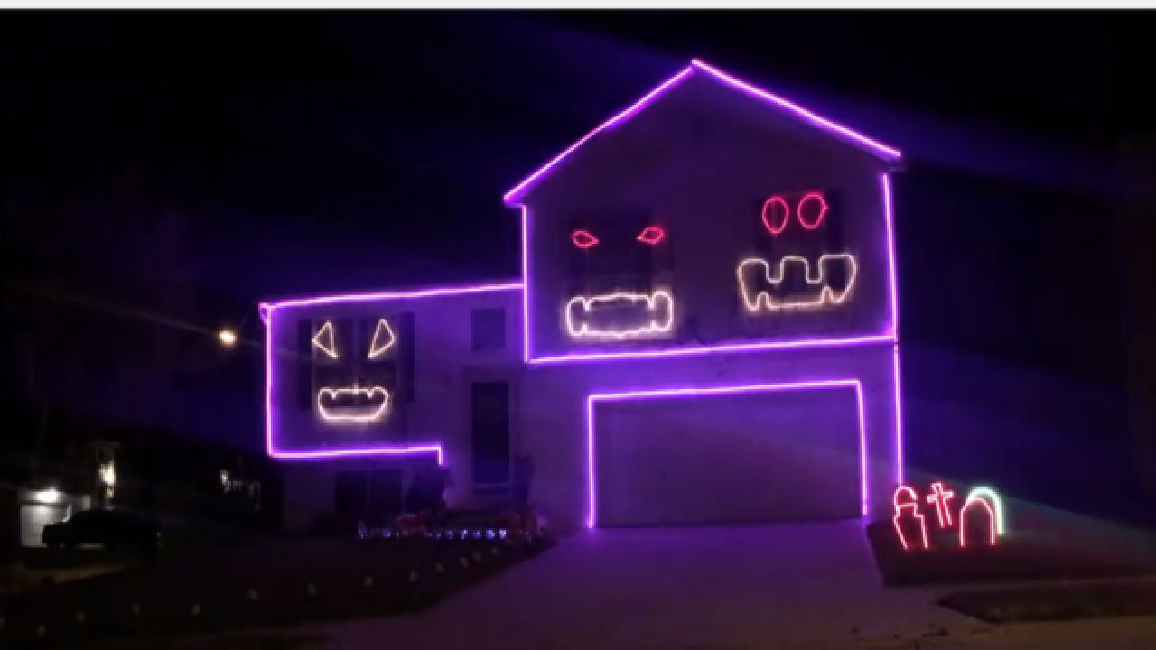 Couple creates amazing Cubs-themed Halloween display