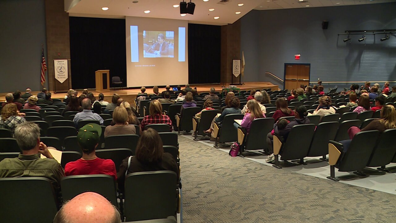 Chesterfield parents weigh-in on pushing back high schools start times