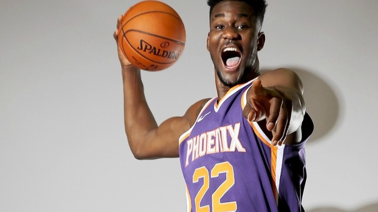 Deandre Ayton drew a picture of him dunking on the player who criticized him on draft night