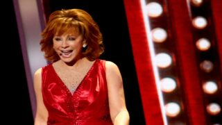 Watch Reba McEntire Tear Off Dress After Dress In An Impressive On-stage Costume Change At The CMA Awards