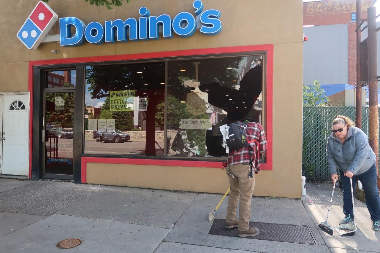 Dominos Delaware Ave