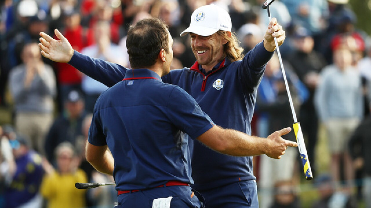 Europe sweeps afternoon to build Day 1 lead in Ryder Cup