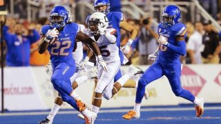 Boise State rolls past UConn in record-setting win, 62-7