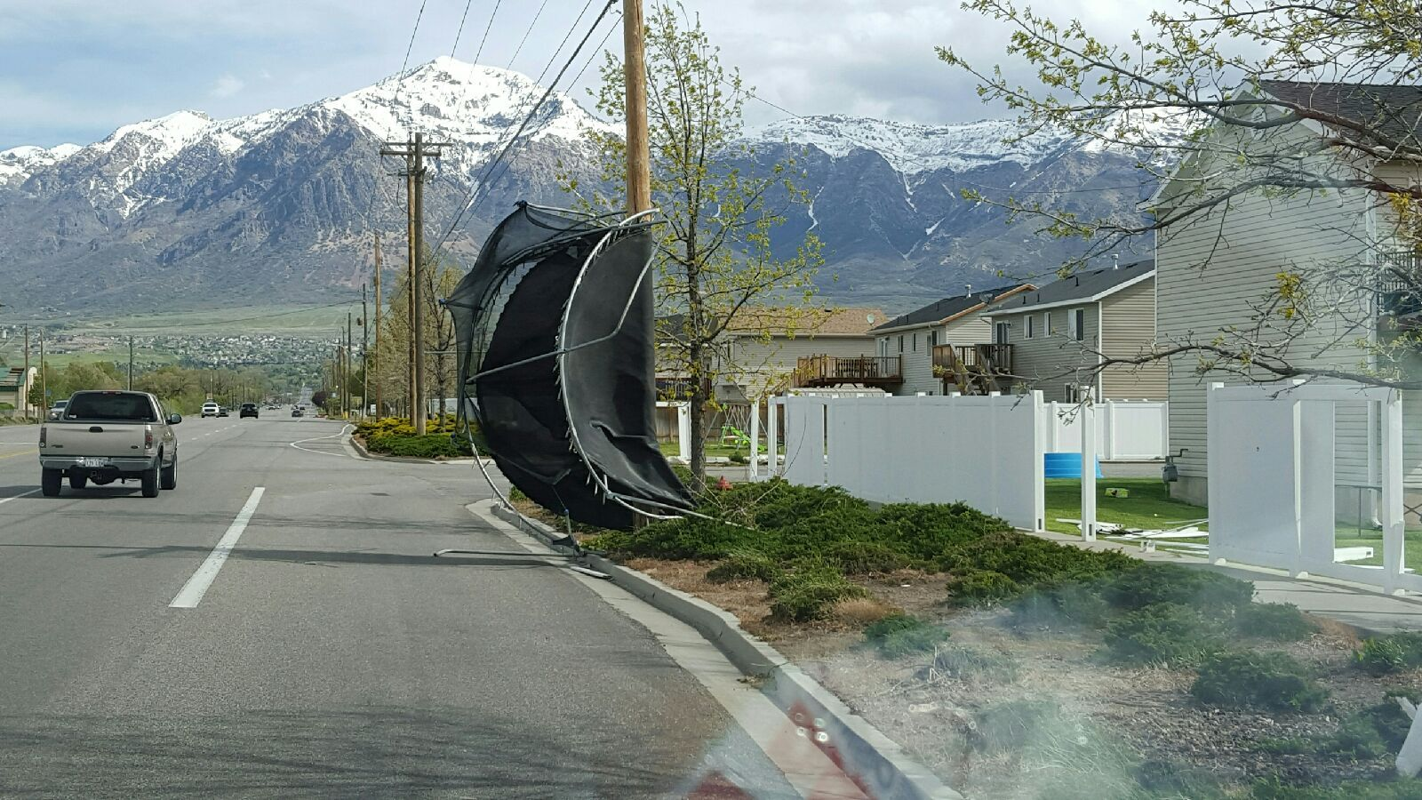 Photos: Thousands without power as strong winds pummel northernUtah