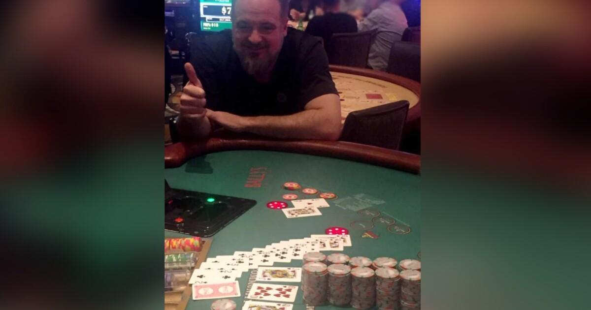 Vegas tourist hits $1M jackpot on Strip