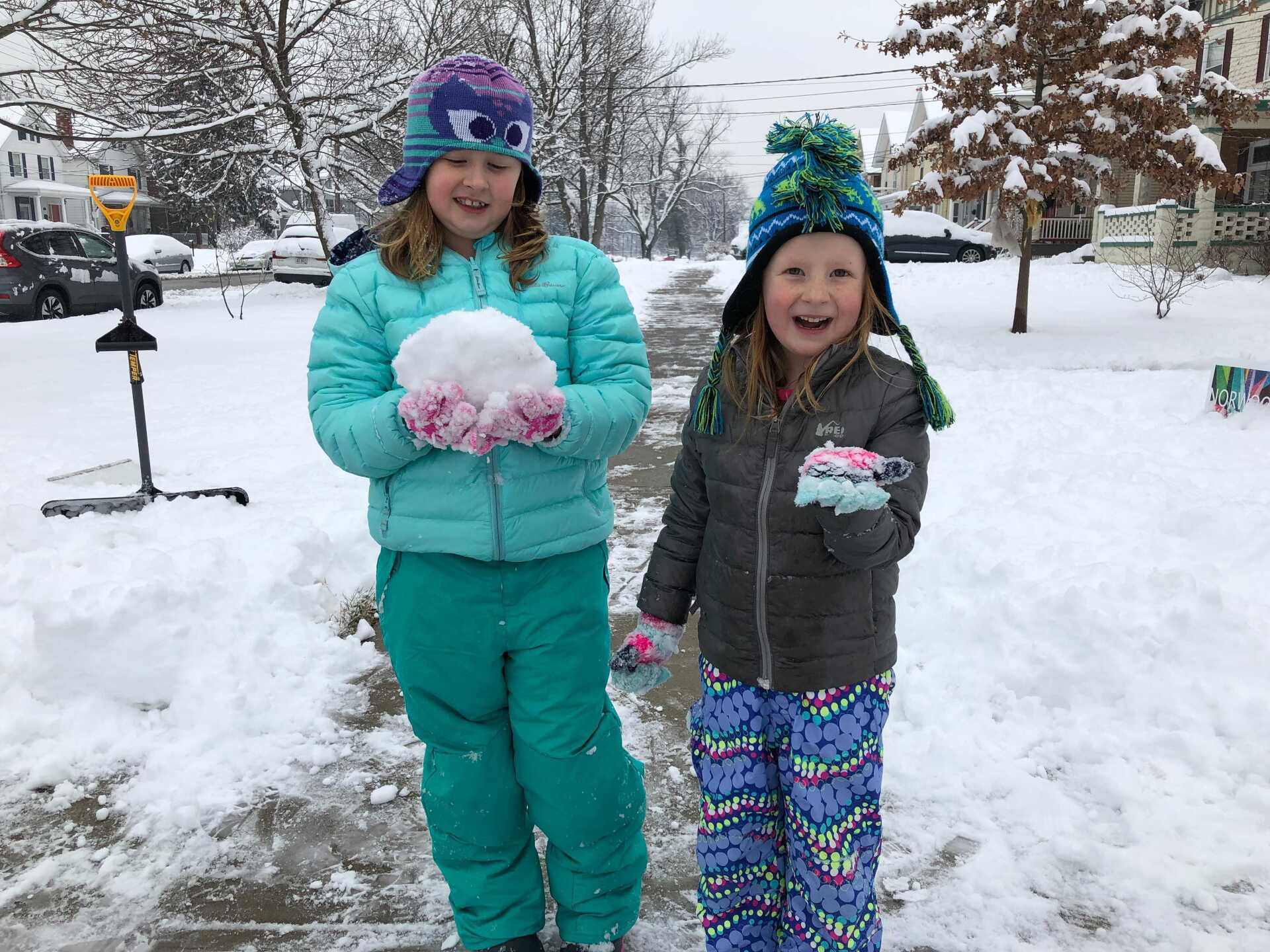 WCPO snow maggie and rosie thorp norwood.jpg
