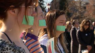 DU silent protest