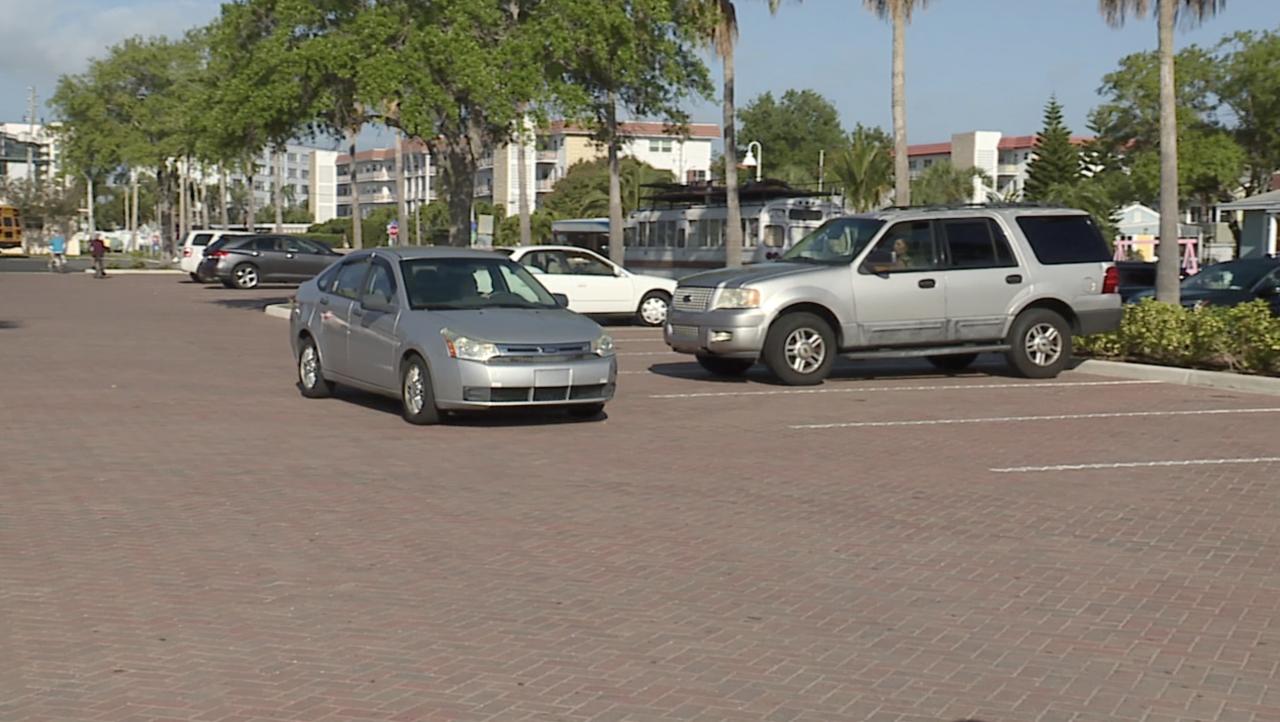 new-beach-parking-lot-gulfport.png