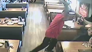 VIDEO: Man attacks women inside Phoenix IHOP restaurant