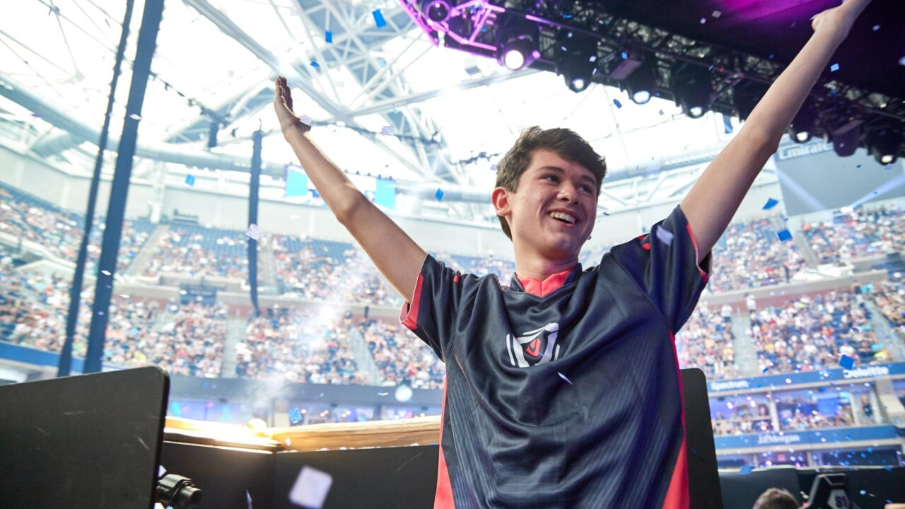 Teen Fortnite World Champion 'swatted' during a livestream