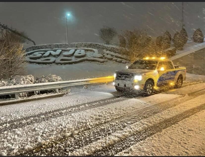 Pretty snow scene at the SNJB.jpg