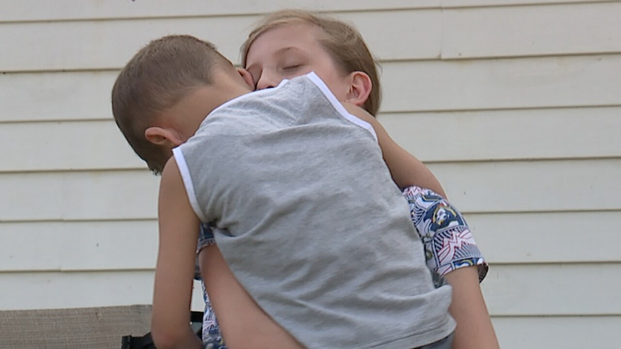 Ohio girl saves 6-year-old brother from abduction attempt
