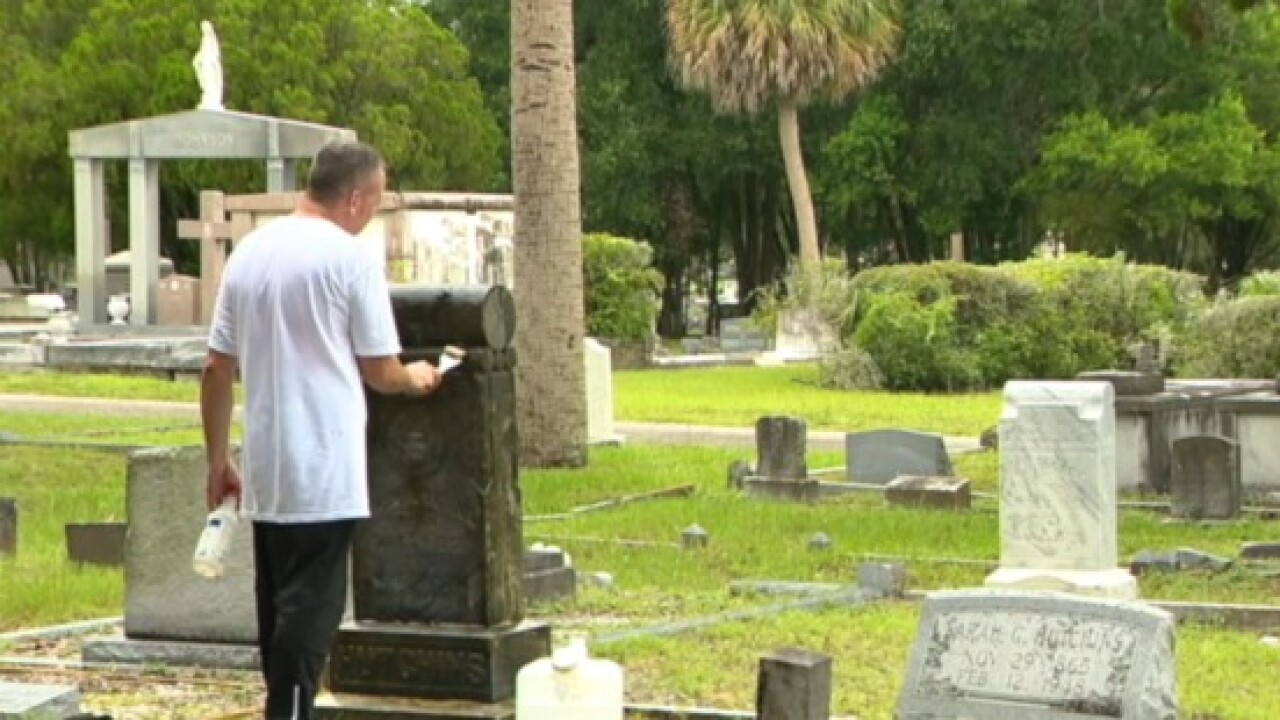 The Good Cemeterian: Man honors veterans by restoring headstones