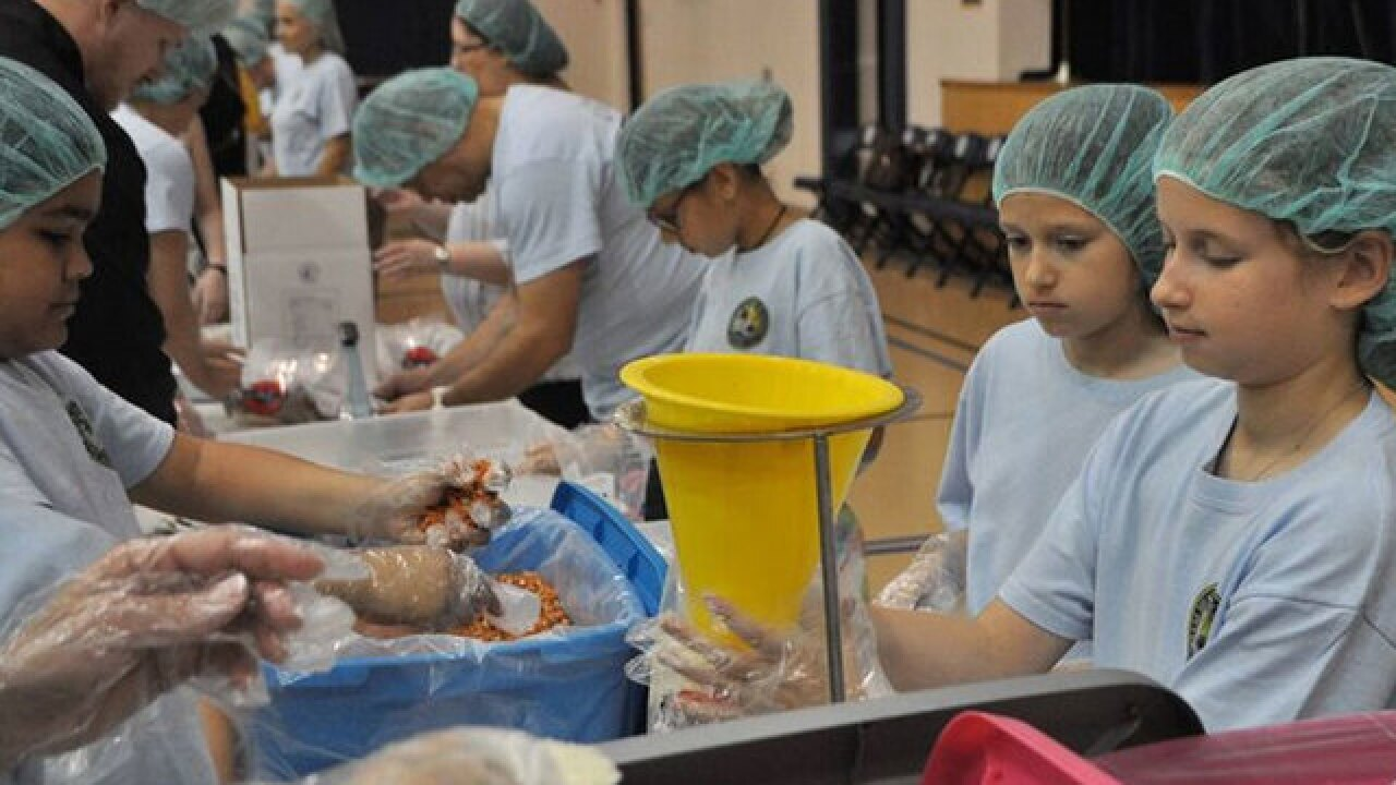 Students volunteer to feed the hungry
