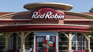 Military members and vets can get free double burgers and bottomless fries from Red Robin