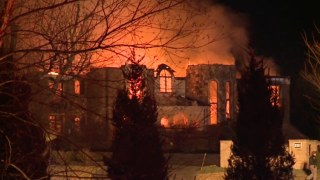 Firefighters battle large blaze in Edgewood, Kentutkcy