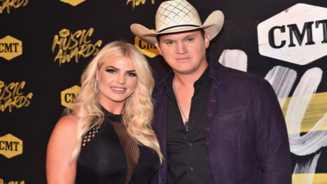 Country Singer Jon Pardi Paused His Concert To Propose To His Girlfriend